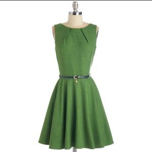 Modcloth Luck Be a Lady Dress in Green, size 6